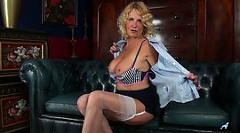 British cougar Molly Maracas divulges..