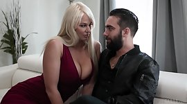 Bossy milf London River rubs her..